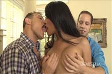 Tanssexual Gangbangers 17 Jessica Fox vs. Khloe Hart Scene 2