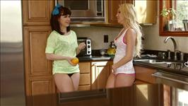 My Roommate's A Lesbian 5 Scene 4
